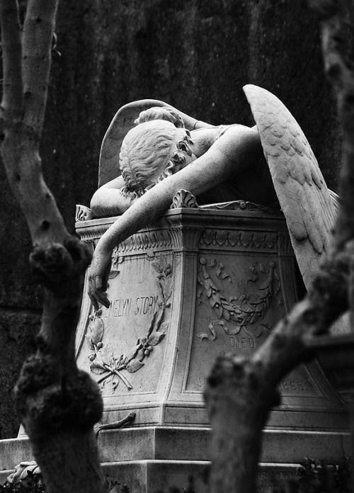 صورة الملاك الحزين