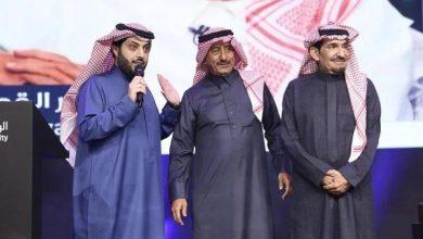 صورة تركي آل الشيخ يجمع بين عبدالله السدحان و ناصر القصبي